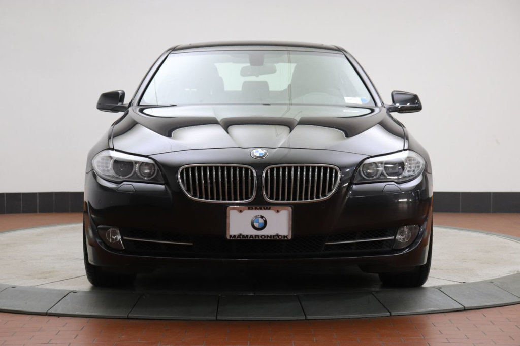 Pre-Owned 2013 BMW 5 Series 550i xDrive